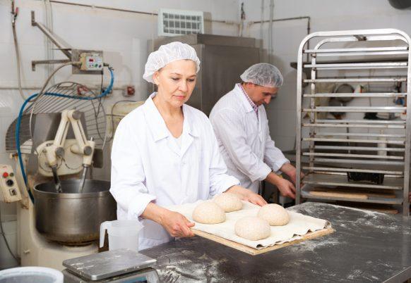 baker-proofing-dough